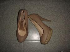 NEUF jamais portées Taille 39 magnifiques chaussures EXCELLENT ETAT