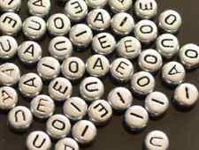50pcs Plateado alfabetos Cartas Abalorios acrílicos 7mm Vocal Pack