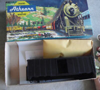 HO Scale Athearn Undecorated Black 40 Ft Box Car Kit in Box 1200