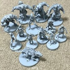 Random 6PCS Zombicide Abomination Green Horde Miniatures Board Game Toys CMON