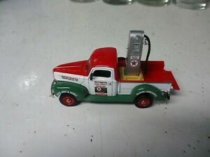 """Matchbox Collectibles Platinum series 1940's Ford Pickup with """"Texaco"""" pump load"""