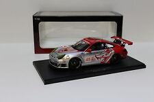1:18 AutoArt Porsche 911 996 RSR ALMS GT2 2006 NEW bei PREMIUM-MODELCARS