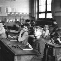 """PHOTOGRAPHIE, Hommage à Robert Doisneau, """"La leçon de calcul"""", 1956 / 20 x 20 cm"""