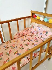 HILIROOM HILIROOM Wooden Baby Doll Cradle Crib Rocking Bed Dolls Bassinet with Bedding Set for 18 Inch Dolls
