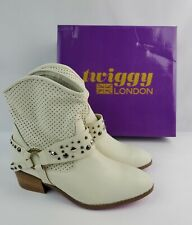 New in box Twiggy of London cream leather western studded buckle boots Size 8 M