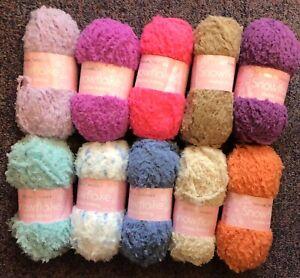 5 x 25g Balls of Sirdar Snowflake D/K Wool/ Yarn for Knitting and Crochet