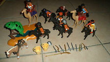 LOT PLAYMOBIL THÈME EGYPTE - 8 personnages / 9 chevaux / armes + accessoires TBE