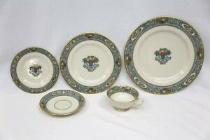 Lenox China Autumn 5 Piece Place Setting with Gold Back Stamp