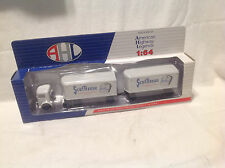 SCOT TISSUE-SCOTT PAPER MACK TRUCK DIE-CAST 1:64 AMERICAN HIGHWAY LEGENDS NIB