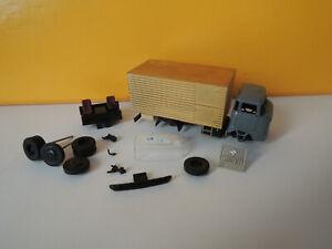 1:87 HO DDR Bauteile IFA W50 mit Kofferaufbau von OMF (Post)