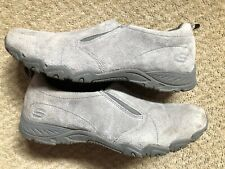 SKECHERS Women's 100% Leather Flat (less than 0.5