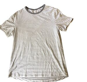 LULULEMON Mens 5 Year Basic T Shirt size M Raven Stripe White Light Cast EUC Gym