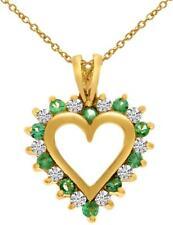 14k Oro Amarillo Esmeralda & Diamante Colgante forma corazón (cadena