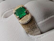 Emerald ring, beautiful stone!