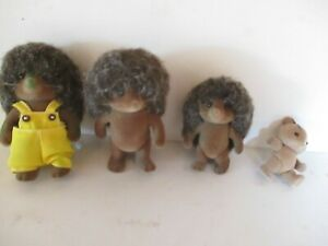 Calico Critters Pickleweeds Hedgehog Family Dollhouse Figures