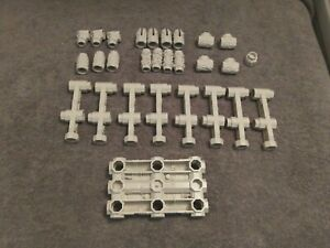Robotic Series R-2000 LOT Of 28 Connector Pieces