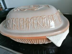 alter Römertopf aus Keramik