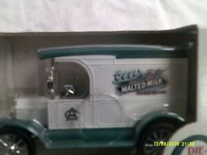"NIB ERTL 1917 DC Model ""T"" Metal Bank-Coors Malted Milk Select Brand-1:25 scale"