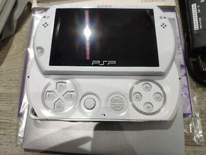 PSP GO PEARL WHITE COME NUOVA COMPLETA DI SCATOLO E CUSTODIA N-1004 PW BIANCA