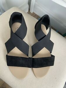 new, sze 6 sandals by carvela