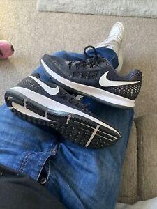 Size 6.5 Nike Zoom Pegasus 33 Trainers