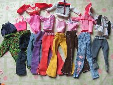 lot barbie doll clothes dresses accessories 10 outfits 10 hangers 10 shoes 1 NEW