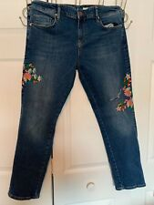 Pilco and the Letterpress embroidered distressed jeans size 31