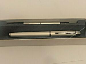 Edler Parker  Kugelschreiber Rollerpen silberweiss inkl. Mine.  NEU!