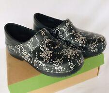 CROCS Women's Triple Comfort Silver & Black Neria Nursing Shoes Size 10W Wide