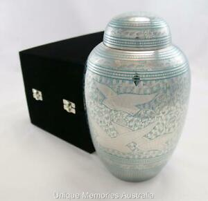 """10"""" Adult Ascending Doves Going Home Cremation Cinerary Memorial  Urn + Case NIB"""