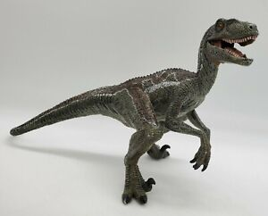 2005 Papo VELOCIRAPTOR Raptor w/Moveable Jaw Dinosaur Brown & Green Figure