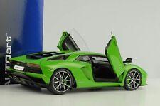 Lamborghini Aventador S 2017 verde mantis pearl green 1:18 Autoart 79133