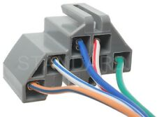 Turn Signal Switch Connector Standard S-621(Fits: Ford Aerostar)
