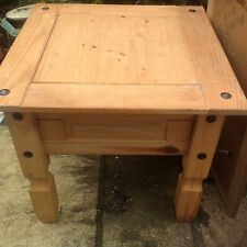 Pine Square Modern Coffee Tables