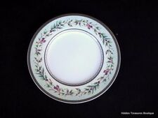 Fitz & Floyd Winter Holiday Garland Salad/Luncheon Plate Pastel Green/Gold Wreat