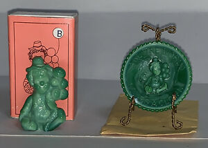 Vintage Mosser Glass PeeWee Clown Marked w/ a B w/ Matching Miniature Plate