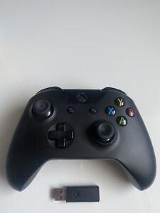 Microsoft Xbox One Wireless Controller mit Adapter für Windows 10