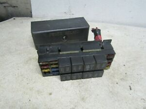 93  PONTIAC FIREBIRD TRANS-AM  ENGINE FUSE RELAY BOX BLOCK