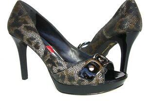 INC International Concepts Women's Madrid Platform Pumps Black Leather Sz. 8.5 M
