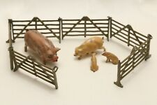 VINTAGE LEAD TOYS MADE IN ENGLAND: PIGS AND FENCES