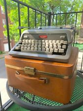 Vintage Royal Futura 800 Typerwriter in Original Brown Leather Carrying Case