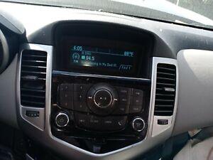 2013 2014 2015 CHEVROLET CRUZE AM/FM RADIO SAT CD PLAYER RECEIVER 229761