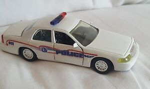 Road Champs Bairdstown Police  Diecast Vehicle 1:43 Scale 1998