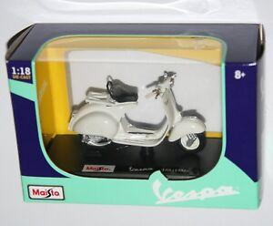 Maisto - VESPA 150 (1956) White - Model Scale 1:18