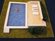(DW5) Diorama Swimmingpool Terasse Figuren Spur Gauge Scale Z (1:220)