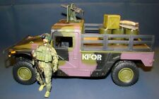 1:18 Elite Force Peace Keeper U.S Army Humvee KFOR NATO Cargo Truck Carrier