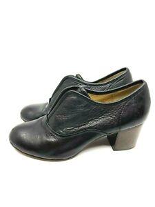 FRYE Soft Black Leather Slip In Shoe Round Toe Elastic Tongue Block Heel Size 9