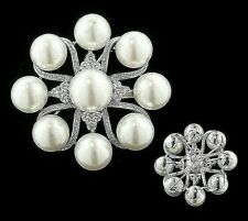 IRIS APFEL GLASS PEARL & SIMULATED DIAMOND SILVERTONE PIN/PENDANT