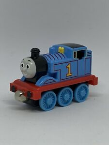 2002 Learning Curve Thomas & Friends Magnetic Die Cast Metal Toy Train