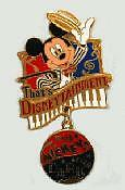 Disney Pin Tokyo Event Mickey Le Disneytainment Opening new on card